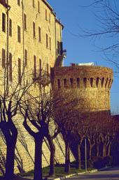 mura di staffolo